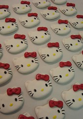 hello kitty cupcake toppers by debbiedoescakes