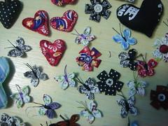 Fuxico flor borboleta e afins (Minhas Crias) Tags: artesanato tecido aplique retalho trabalhosmanuais poá fuxicoborboleta fuxicoflor fuxicaria