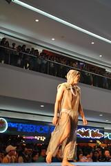 DSC_0075 (gigiv) Tags: philippines 2009 fashionweek mallofasia