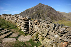 Pen Yr Ole Wen, Snowdonia, North Wales (curreyuk) Tags: uk wales gb snowdonia northwales carneddau penyrolewen currey flickraward grahamcurrey curreyuk peachofashot fabbow