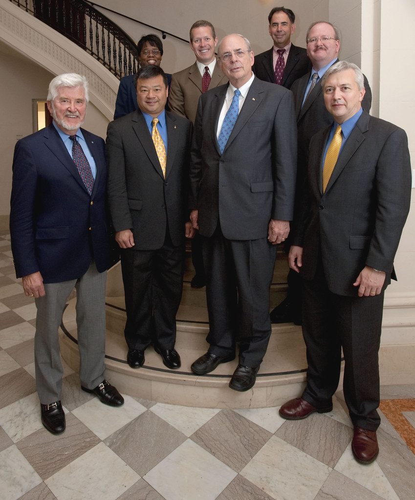 Human Space Flight Plans Committee (200906170002HQ)