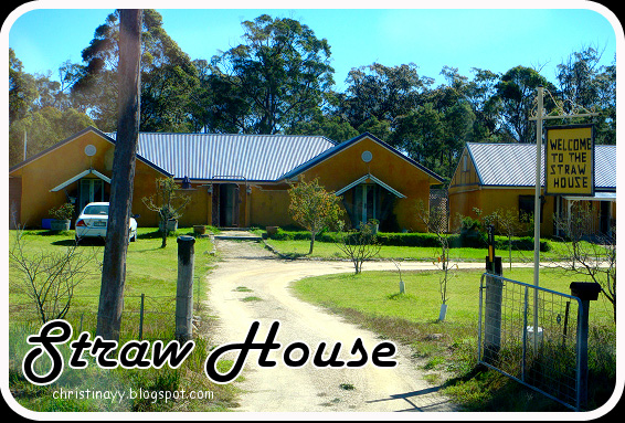 Stanthorpe: Straw House