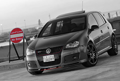 No entry (H.AL-SALEH) Tags: bw vw volkswagen turbo gti mk5 20t