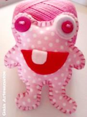 Maenga Tutorial (Gaia Artesanatos) Tags: pink toy boneco artesanato rosa felt corações botão feltro crafty pap gatinho mostro filz tecido bocão mostrinho maenga