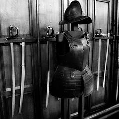 (CutanBurn) Tags: castle scotland edinburgh edinburghcastle military helmet sabre sword fortress armour greathall breastplate cuirass morion dhunedin