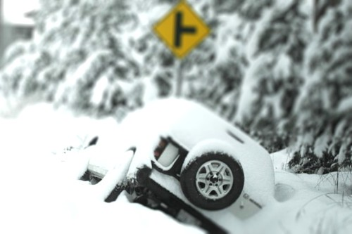 snow_stuck-tiltshift