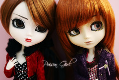 Poison & Ivy - Pullip Rida & Pullip Zuora (-Poison Girl-) Tags: friends red eye eyes doll acrylic ivy pullip poison custom pullips bestfriends obitsu junplanning acrilicos pulliprida rewigged acryliceyes zuora pullipcustom pullipzuora sbhm acryliceye pullipridacustom ridacustom