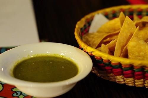 Green Salsa & Tortilla Chips