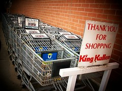 (Lindsay*) Tags: thankyou bricks shoppingcarts kingkullen