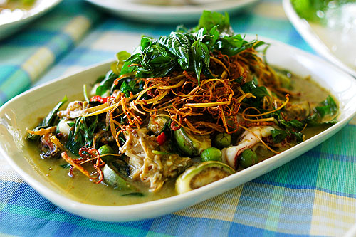 A green curry stir-fry with seafood and Chinese key, Baan Itsara, a seafood restaurant in Hua Hin