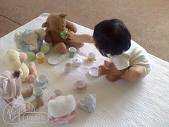 Tea party (Sohyun & Daeshin) Tags: baby home helio heliohome