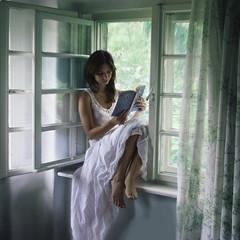 last pages (Hanna Lerski) Tags: self reading hanna fivestarsgallery atgrandma absolutegoldenmasterpiece
