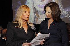Roxanne Mankin Cason speaks with Soledad O'Brien at the  Women's eNews   celebration of the 21 Leaders for the 21st Century 2009 by webmamma5000