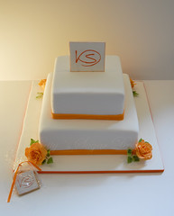 Orange Rose (Bettys Sugar Dreams) Tags: roses orange germany deutschland keks cookie weddingcake hamburg rosen hochzeitstorte torte monogramm hochzeitstorten motivtorte bettyssugardreams sugardreamsde bettinaschliephakeburchardt