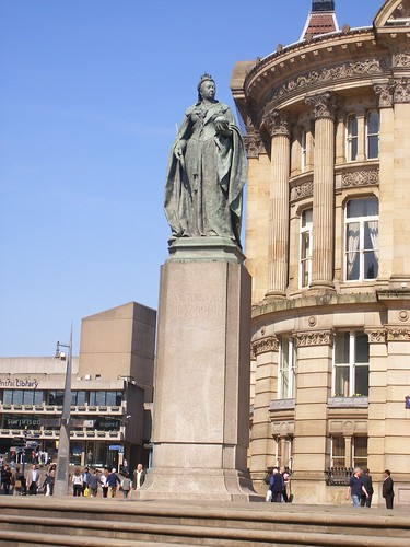 Statue of Queen Victoria (Birmingham Central Library and the Council House)