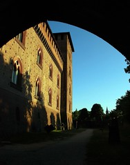 Il castello Visconteo di Pavia (Liberty Place) Tags: italy europa europe italia searchthebest best castello arco middleages lombardia soe italie francescopetrarca pavia castellovisconteo worldbest overtheexcellence giangaleazzovisconti anticando yourcountry