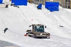 CH255 Snowcat (listentoreason) Tags: winter usa america colorado skiing unitedstates favorites places event co vehicle beavercreek activity snowcat caterpillartrack trackedvehicle ef28135mmf3556isusm score30 trailgroomer continuoustrack