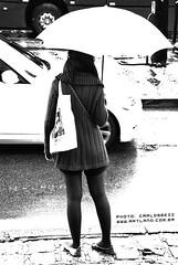 invisible umbrella (artland) Tags: street city brazil bw woman white black art cars paran girl car rain fashion branco brasil umbrella bag studio foto invisible mulher cities style carlos pb preto curitiba fotos land garota rua mulheres parana fotografia bolsa pretoebranco rains cwb artland ruas garotas photograf