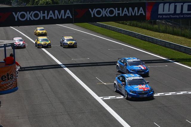Dvostruka pobeda u prvoj WTCC trci za Chevrloet Cruze 1.6 turbo