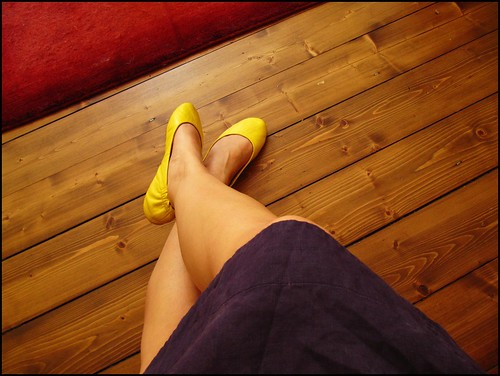 yellow shoesies
