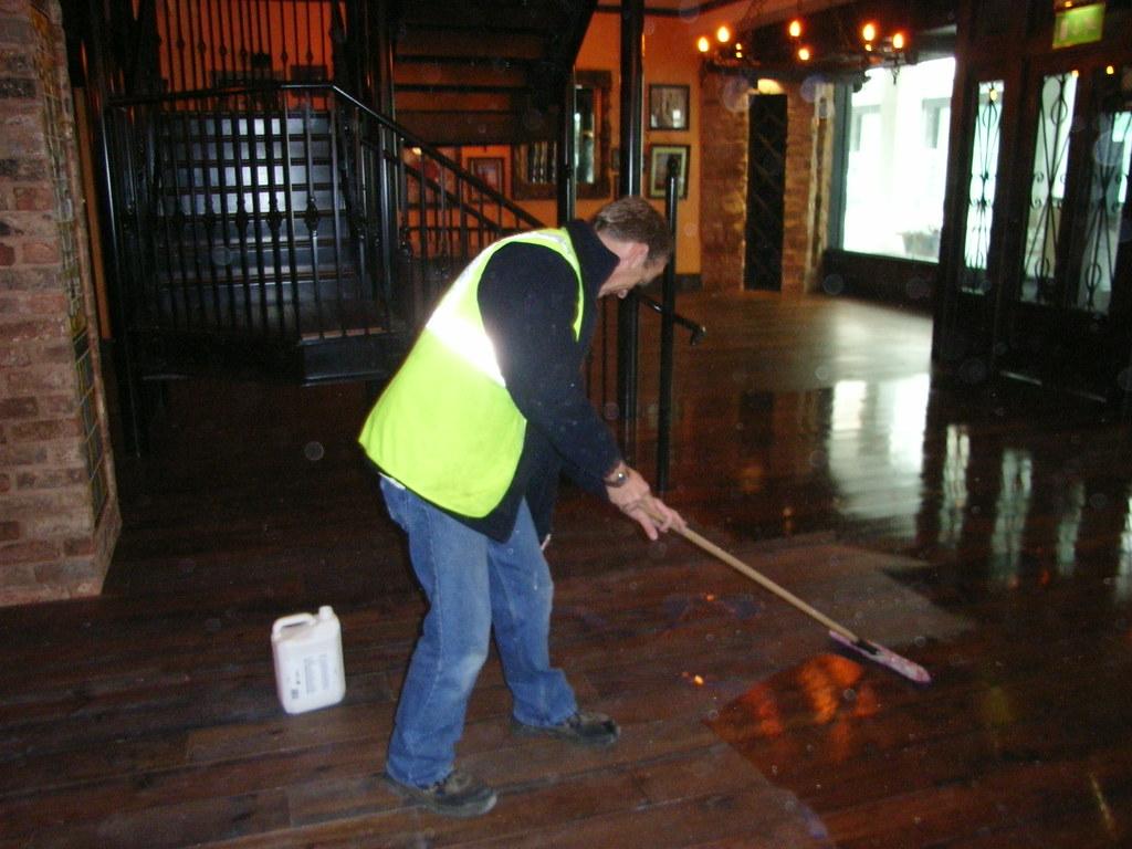 Exeter Pub Floor Maintenance