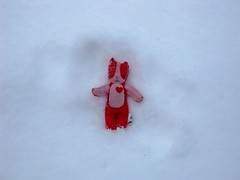 Smoochacha makes a snow angel