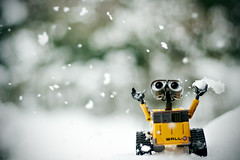 Wall-E, it's snowing!! (Giulia Torra) Tags: snow colour canon 350d 50mm colore disney neve vignetting walle vignettatura