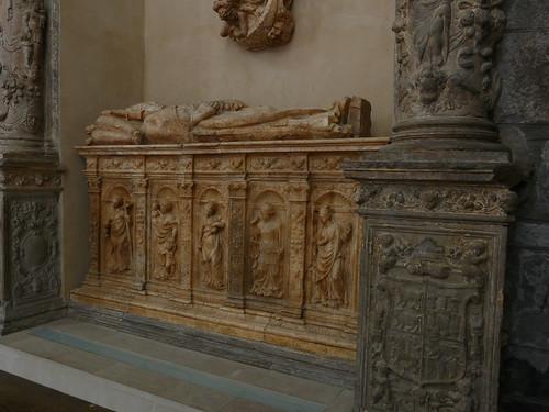 Sepulcro del Obispo de Alger (Cerdaña)
