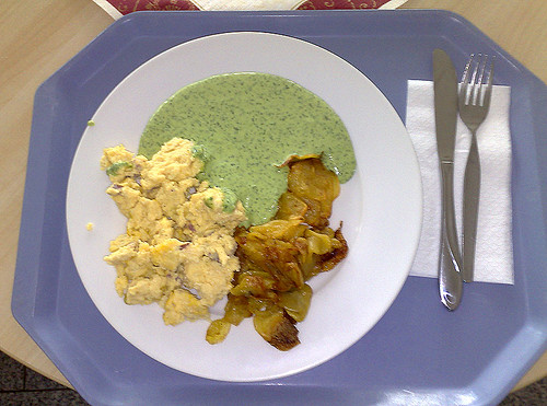 Grüne Sauce, Rührei & Bratkartoffeln