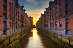 Speicherstadt (Wolfgang Staudt) Tags: travel bridge reflection water architecture buildings deutschland europa tripod hamburg earlymorning sigma wideangle firestone fleet hafen reflexions speicherstadt hamburgerhafen hafencity hanse hansestadt d300 zollkanal travelphotographie denkmalschutz hamborg  grossstadt wolfgangstaudt 66111 lagerhuser nikond300 hamburk    andreasmeyer  lagerhauskomplex eichenpfhle