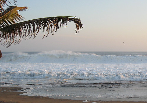 Big surf at Playa Grande