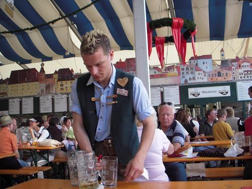Dult Waiter