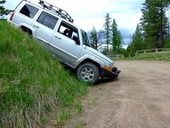 Jeep Commander coming down. (Zeski) Tags: road jeep offroad 4x4 off commander xk