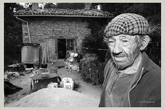ortega kanpon z-b (Erri-keinuak) Tags: miguel nikon retrato d70s ortega pobreza gipuzkoa legazpi txirotasuna