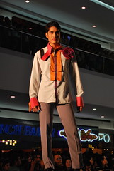 DSC_0030 (gigiv) Tags: philippines 2009 fashionweek mallofasia