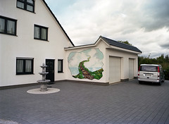 chimneytales (4) (marek.wykowski) Tags: house germany thringen mural east ddr altenburg