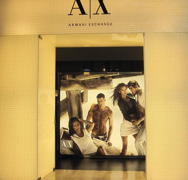 fashion store lifestyle tienda negozio accessories ax luxury apparel armaniexchange menswear womenswear summer2010