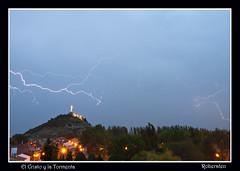El Cristo y la Tormenta (roberaten) Tags: tormenta palencia