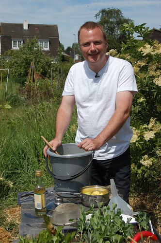 Making elderflower champagne May 11 2