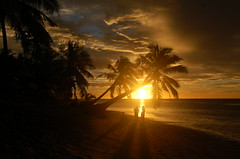 Sunset at Tanu beach (msdstefan) Tags: pictures ocean trip travel sea vacation sky panorama sun holiday sol praia beach strand landscape island coast soleil sand pacific pics urlaub sunsets bank playa nikond50 best insel southpacific ufer landschaft sonne plage rtw isla zon spiaggia nicest kste oceania pazifik stefans ozean awesomeshot ammeer sdpazifik  strandfotos ozeanien  landschaftsbild  denizkys pazifischeinseln goldstaraward oltusfotos virtualjourney virtualjourneygallery pazificislands platinumbestshot vividstriking stefansbest luxtop100 mygearandmepremium mygearandmebronze mygearandmesilver mygearandmegold mygearandmeplatinum mygearandmediamond