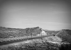 Posibilidades (*Vix*) Tags: trip viaje blackandwhite bw mountains byn blancoynegro train tren railroads sunnyday pensativa