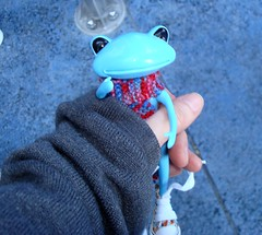 121 carrying henry around (irulethegalaxy) Tags: disneyland disney tudor henry viii 8th eighth henryvii henrytheeighth henrythe8th studiouoo wonderfrog notatudor