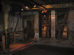 Underground Tour stop, 2