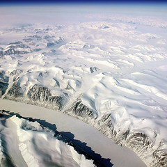 White earth (DIDS') Tags: white snow cold ice square flying earth aerial planet antartica glaciar warming globalwarming windowseat 500x500 groenland greeland laterre dids winner500 planeteterre yourwonderland