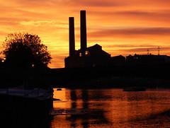Battersea sunset (kahmac) Tags: sunset chimney reflection london water silhouette thames battersea barge powerstation batterseabridge lotsroadpowerstation