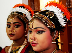 Kuchipudi Dancers # 3 (Falling Dreams) Tags: portrait india art canon women flickr dancers indian persia desi indians hyderabad hpc kuchipudi indianart hyderabadi canon40d fallingdreams hamarahyderabad