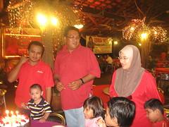 IMG_9474 (WaN RAsHiD) Tags: birthday staff makan ofis