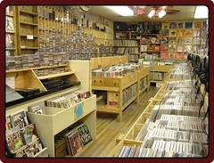 04 FOX MUSIC - Record Store - Wisconsin vinyl records lp albums phono