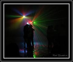 El Bailongo (Carlos Guardado) Tags: chihuahua canon mexico luces carlos 2009 baile claroscuro guardado