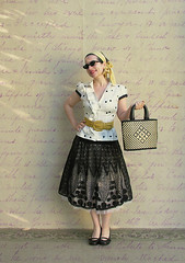Inspired by: The 50's (Elsita (Elsa Mora)) Tags: portrait selfportrait black eye art smile sunglasses fashion cat vintage creativity happy blog outfit shoes artist lace moda remix style skirt polka blouse purse blogged 50s wardrobe dots ensemble elsa headband mora cateye selfexpression elsita